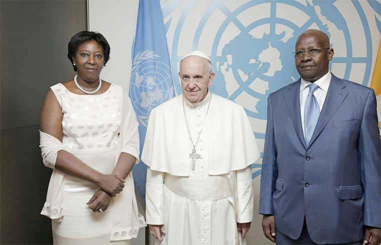 Sam Kutesa and wife with Edith Gasana and Pope Francis at the UN